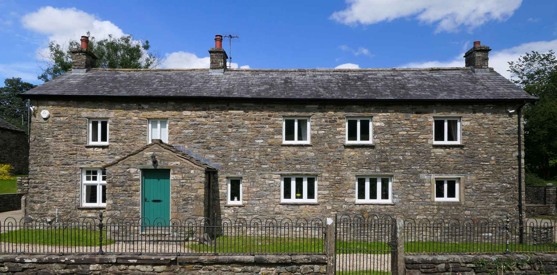 Tucked away in the Yorkshire Dales, just 10 miles from the Lake District.  A rural hideaway to re-charge and re-fresh.  COVID19 compliant.